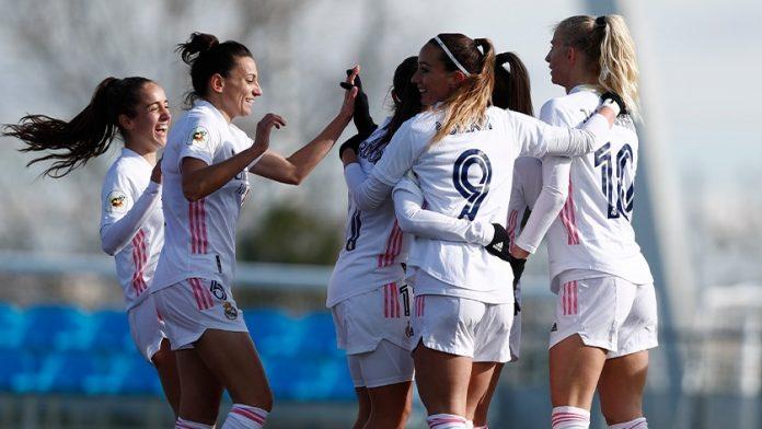 El Madrid femenino celebra un gol en equipo