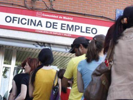 El verano hará que baje el desempleo