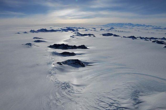 La vida microbiana en la Antártida se produjo hace millones de años. Los lagos bajo el hielo antártico podrían ser más propicios para la vida