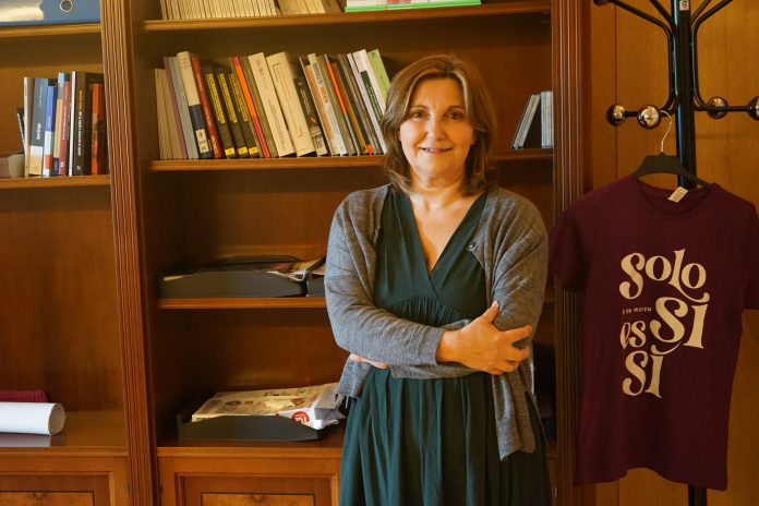Pilar Garrido Gutiérrez es una profesora universitaria de Derecho Constitucional que se ha sumergido en la política